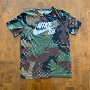 Nike boys dri-fit camo t-shirt